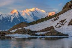 勃朗峰断层块在法国阿尔卑斯 免版税库存图片