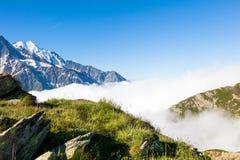 勃朗峰的美丽的景色在夏慕尼在法国 免版税图库摄影