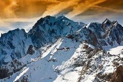 勃朗峰,库尔马耶乌尔,意大利 免版税库存照片