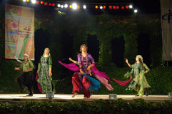 巴勒斯坦传统舞蹈在露天舞台 免版税库存照片