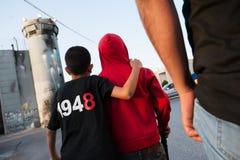 巴勒斯坦示范和以色列隔离墙 免版税图库摄影