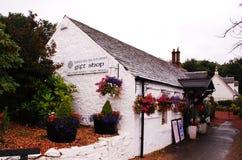勒斯 一个村庄在苏格兰 附近的洛蒙德湖 免版税库存图片