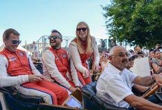 勒芒,法国- 2017年6月16日:克里斯蒂娜尼尔森和她的队亚历山德罗Balzan和布雷特刻替斯Scuderia Corsa赛跑te的法拉利 免版税图库摄影
