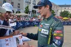 勒芒,法国- 2017年6月11日:奥地利赛车手Mathias Lauda赛跑在制服的阿斯顿・马丁给题名在期间 库存图片