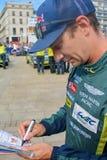 勒芒,法国- 2017年6月11日:奥地利赛车手Mathias Lauda赛跑在制服的阿斯顿・马丁给题名在期间 免版税库存照片