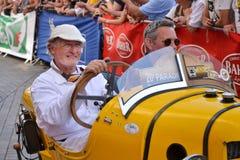 勒芒,法国- 2014年6月13日:游行飞行员赛跑 摩根Darmont汽车的介绍 免版税库存照片