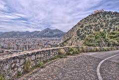 巴勒莫看法有utveggio城堡的 西西里岛意大利 免版税库存图片