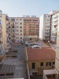 巴勒莫,意大利-可以14日2015年:Pa庭院在一个住宅区-储藏洗手间,西西里岛, 库存照片