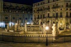 巴勒莫,意大利- 2009年10月13日:广场Preto大理石象  免版税库存图片
