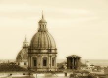巴勒莫,老镇都市风景有圆顶的 免版税库存图片