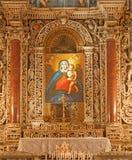 巴勒莫-有玛丹娜油漆的巴洛克式的旁边法坛从在蒙雷阿莱大教堂的北边教堂 图库摄影