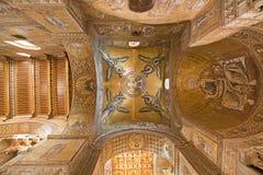巴勒莫- Monreale大教堂旁边教堂中殿圆屋顶和天花板。 免版税库存图片