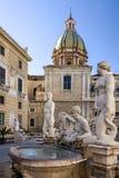 巴勒莫Fontana比勒陀利亚,西西里岛,意大利 历史大厦, l 免版税库存照片