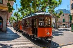索勒,马略卡,西班牙- 2013年6月16日:老电车在索勒 免版税库存图片
