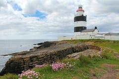 勾子顶头灯塔在爱尔兰 库存图片