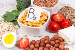 包含维生素B2和饮食纤维,健康营养概念的产品和成份 免版税库存图片