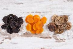 包含自然矿物的成份、维生素和饮食纤维、健康生活方式和营养概念 库存图片
