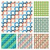 无缝的样式,包括多彩多姿的圆环 向量例证