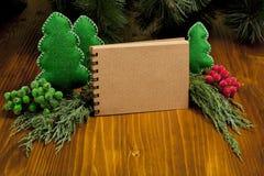 包括您的文本的圣诞节构成笔记薄,克里斯 库存图片