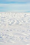 包括的小山雪 免版税库存照片
