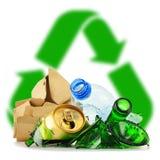 包括玻璃塑料金属和纸的可再循环的垃圾 库存照片