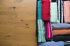 包装一次新的旅途和旅行的一件行李长的weeken 库存照片