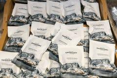 包装干鱼快餐或natureally干北极鳕鱼 免版税库存照片