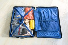 包装救球空间的行李袋子 免版税库存图片