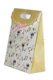 包装的礼物的花梢纸板袋子 免版税库存图片