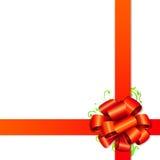 包装红色丝带的礼品 免版税库存照片