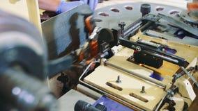 包裹糖果的工业机器 糖果工厂 股票录像