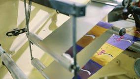 包裹糖果的工业机器 糖果工厂 股票视频