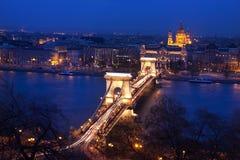 匈牙利的首都由多瑙河横渡的布达佩斯 免版税图库摄影