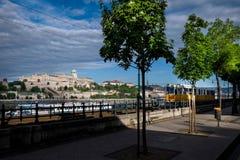 匈牙利的首都由多瑙河横渡的布达佩斯 免版税库存图片
