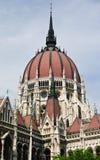 匈牙利议会圆顶在布达佩斯,匈牙利 图库摄影