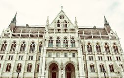 匈牙利议会大厦在布达佩斯,老过滤器 库存照片