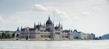 匈牙利议会的全景 免版税库存照片