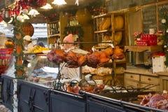 匈牙利食物在圣诞节公平的停留演出地 库存图片