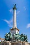 匈牙利,布达佩斯英雄的方形在一个晴天的夏天 免版税库存照片