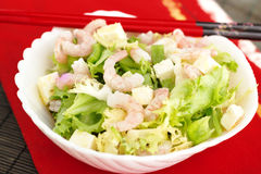 绿化健康混杂的大虾沙拉虾简单的蕃茄 库存图片