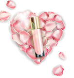 化妆产品,基础, concealer,奶油 在桃红色玫瑰花瓣的心脏背景  向量 免版税库存图片