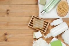 化妆品集合 肥皂酒吧和液体 香波,阵雨胶凝体,身体米尔 免版税库存图片
