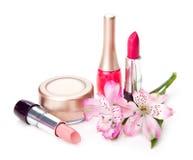 化妆用品和花 库存图片