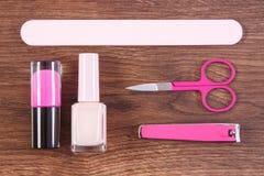 化妆用品和辅助部件修指甲或修脚的,钉子关心的概念 免版税库存照片