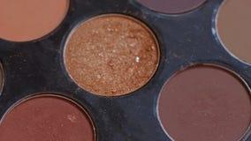 化妆眼影调色板构成的 时尚和秀丽背景 r r r 影视素材