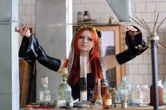 化学女孩 免版税图库摄影