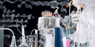 化学实验室实验 库存图片
