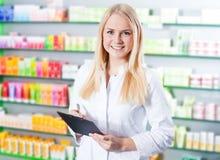 化学的女推销员 免版税图库摄影