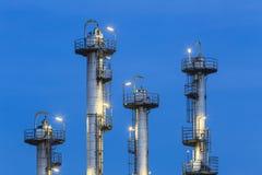 化工厂细节在晚上 免版税图库摄影