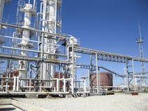 化工工厂油 主要石油精炼的设备 免版税图库摄影